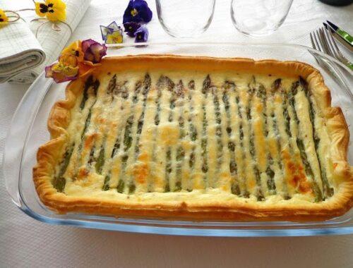 Quiche ze szparagami i serem feta