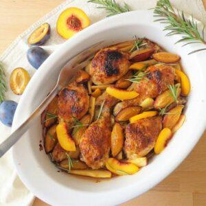 Pieczony kurczak z owocami w sosie musztardowym