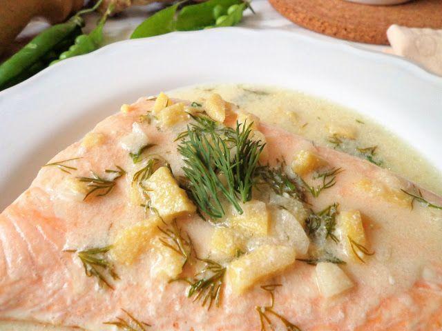 Łosoś na parze z sosem imbirowym