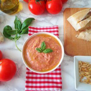 Sycylijskie pesto z pomidorami