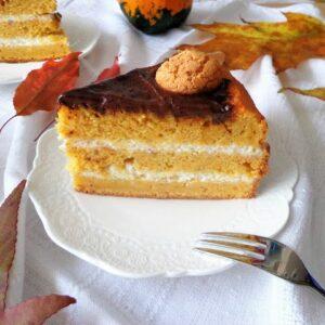 Tort dyniowo-migdałowy