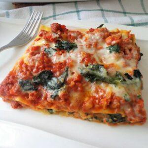 Lasagne z mięsnym ragù
