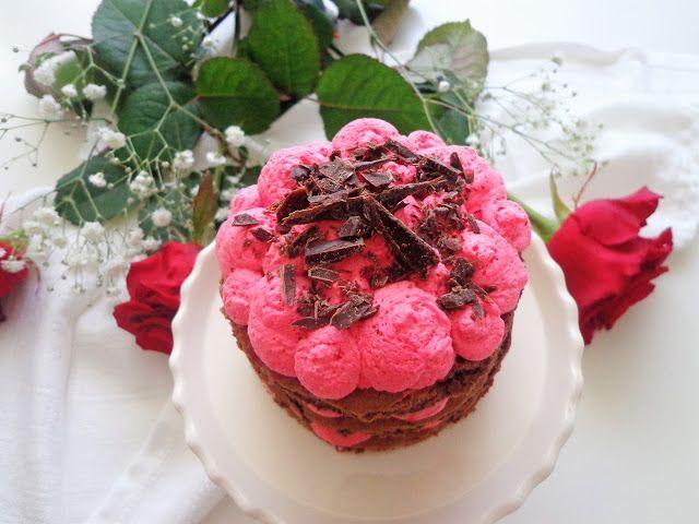 Przepis na czekoladowy tort walentynkowy