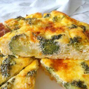Pieczona frittata z brokułami