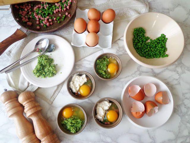 Przepis na zapiekane jajka z groszkiem