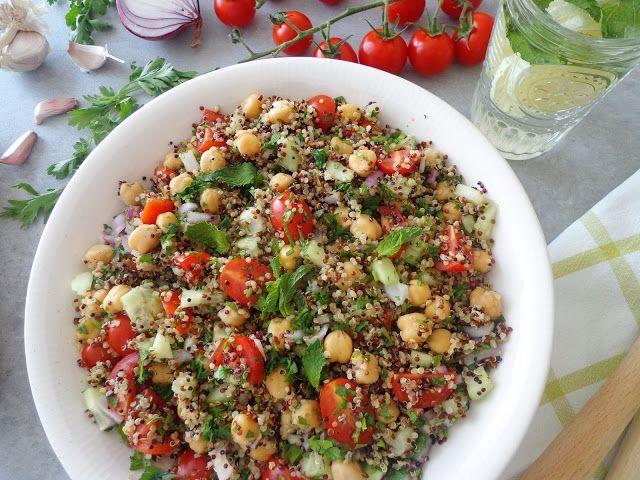 Aromatyczna sałatka z quinoa