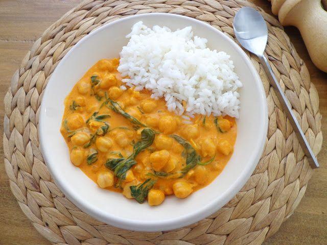 Przepis na curry z ciecierzycą i szpinakiem