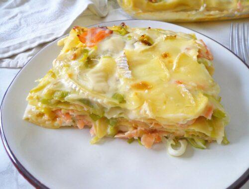 Lasagne z porem, wędzonym łososiem i serem brie