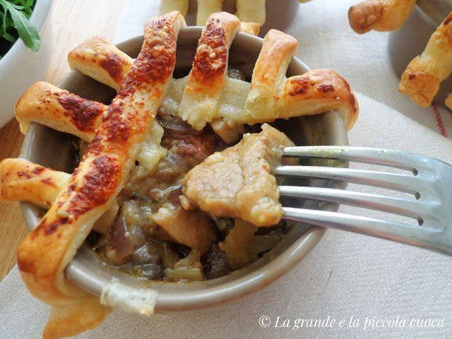Cielęcina z grzybami zapiekana pod ciastem francuskim