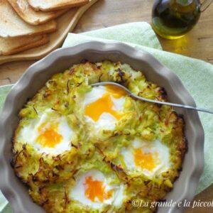 Zapiekanka ziemniaczano-porowa z jajkami