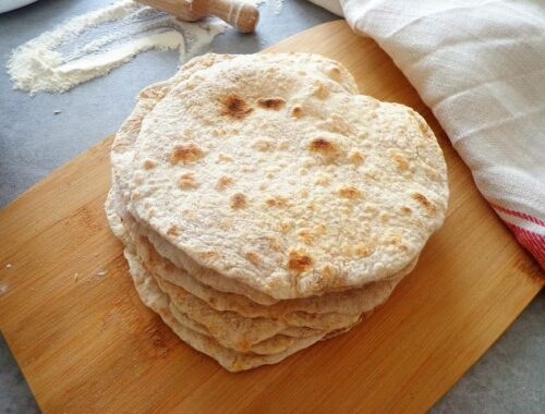 Domowe razowe tortille