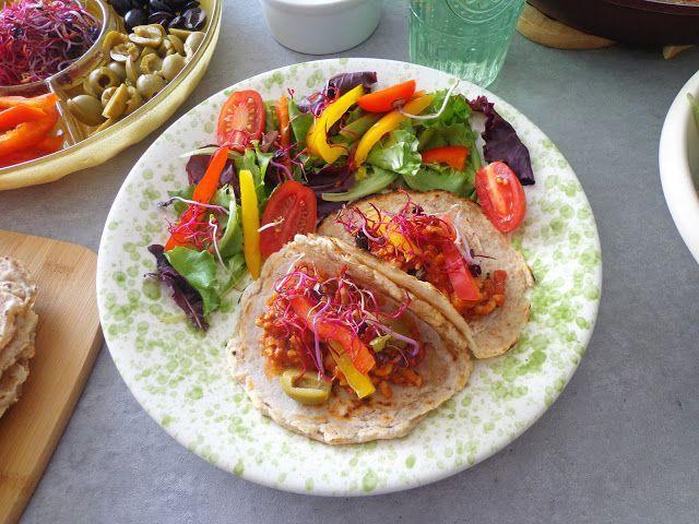 Tortille z mięsnym ragù i warzywami