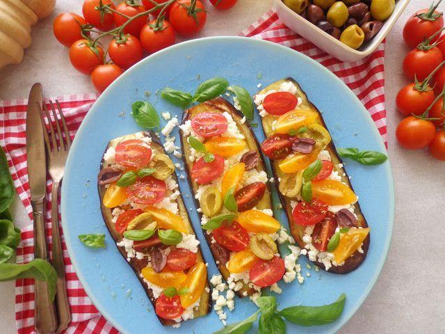Grillowane bakłażany z feta i pomidorkami