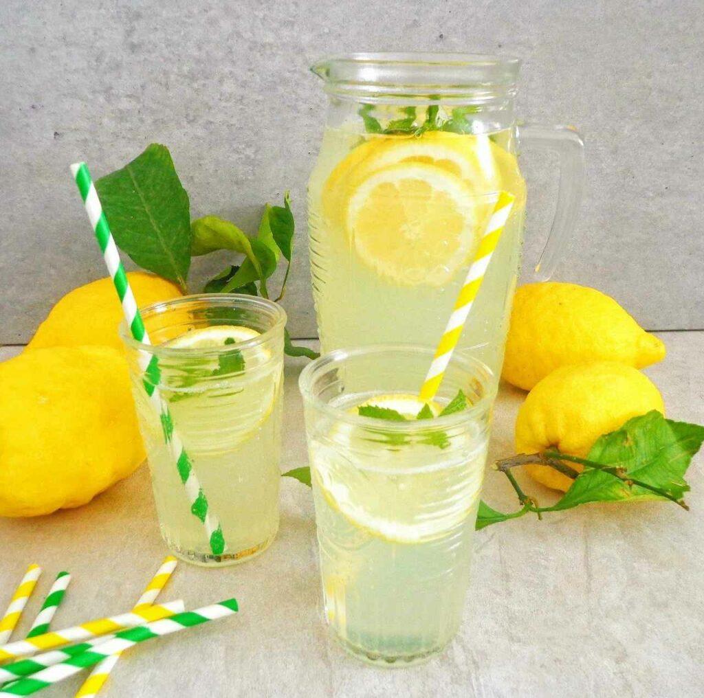 Cytrynowa lemoniada z limonka