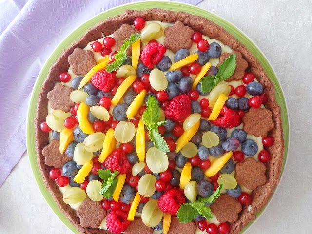 Tarta z owocami i kremem