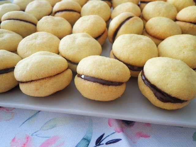 Przepis na włoskie ciasteczka baci di dama