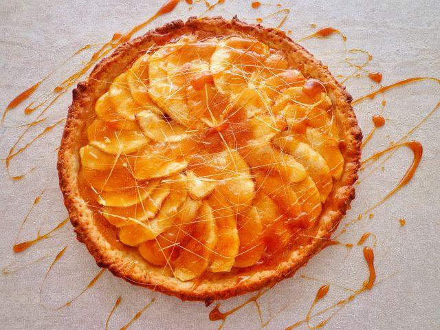 Przepis na tarte z jabłkami i karmelem