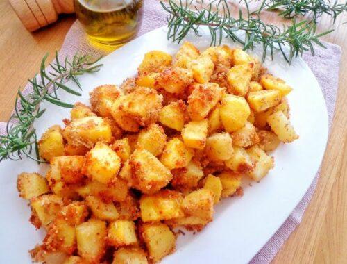 Pieczone ziemniaki w parmezanowej panierce