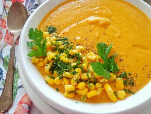 Kremowa zupa z dyni, kukurydzy i soczewicy