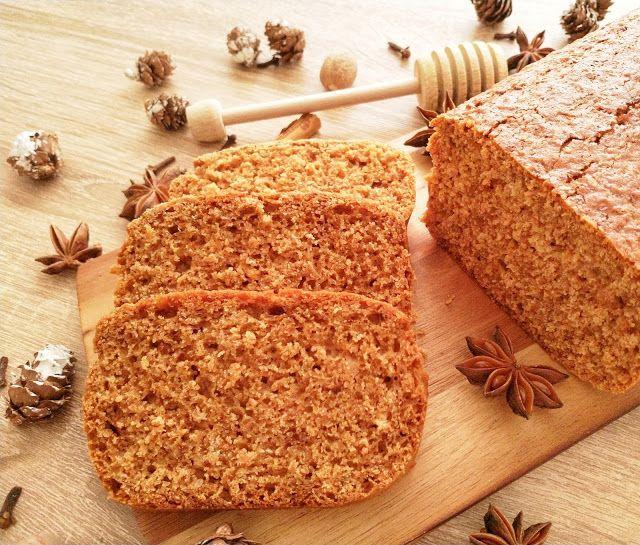 Świąteczny chleb korzenny
