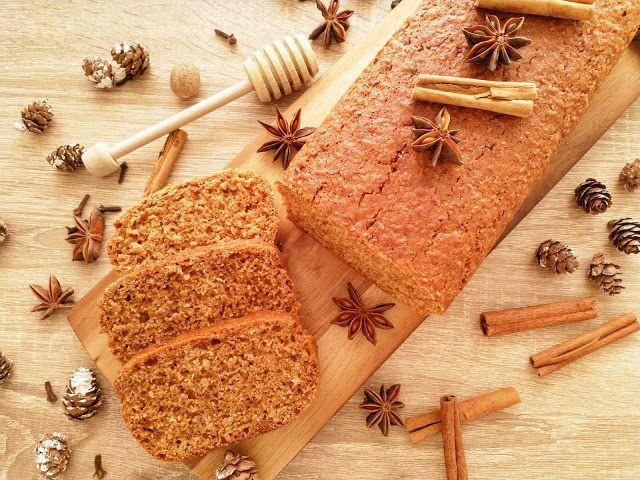 Świąteczny chleb miodowo-korzenny