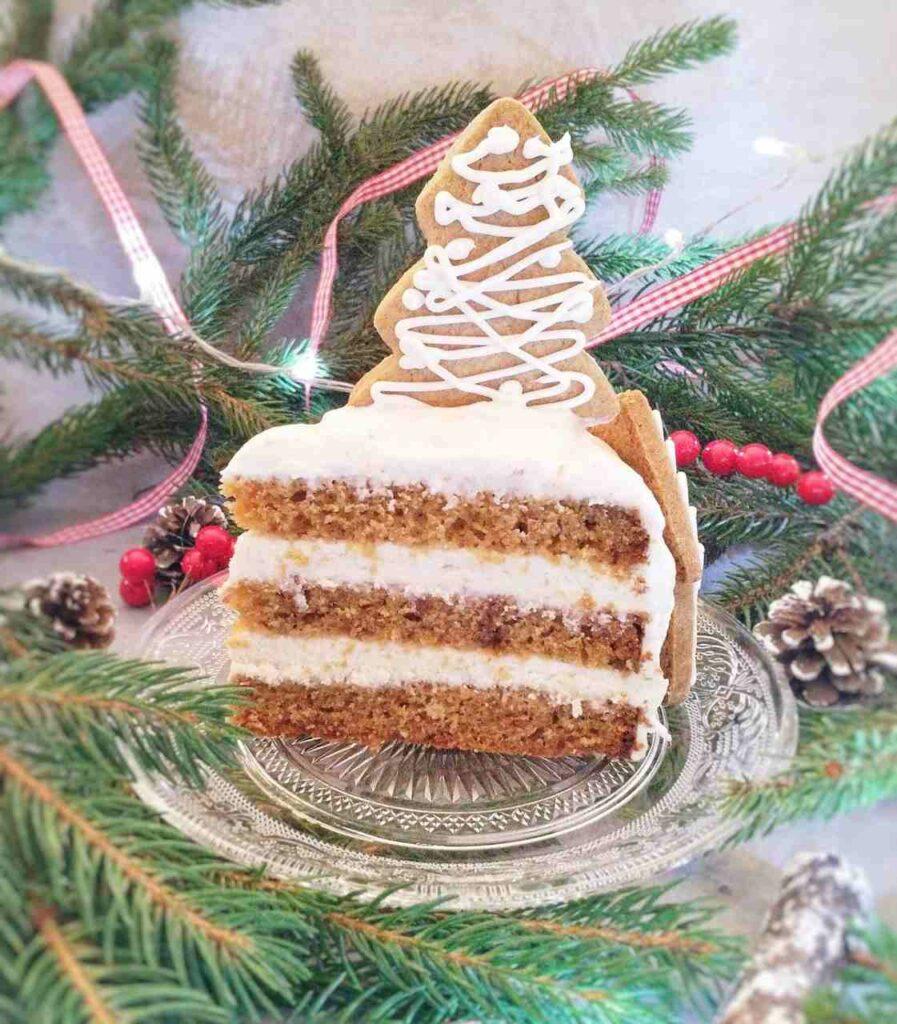 Zimowy tort piernikowy z kremem mascarpone