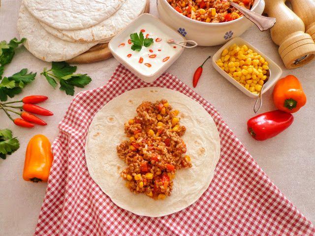 Przepis na meksykańskie burrito z ryżem i mięsem mielonym