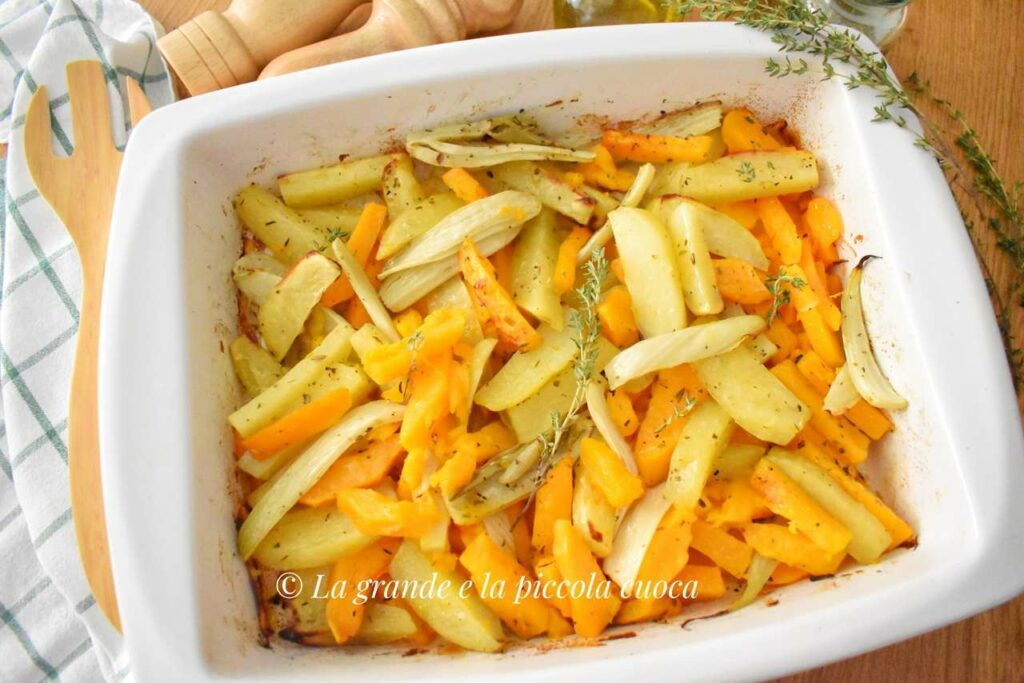 Pieczone ziemniaki z marchewka i fenkułem