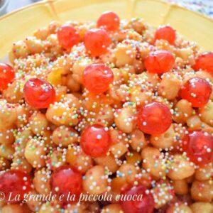 """""""Struffoli"""" typowy deser neapolitański"""