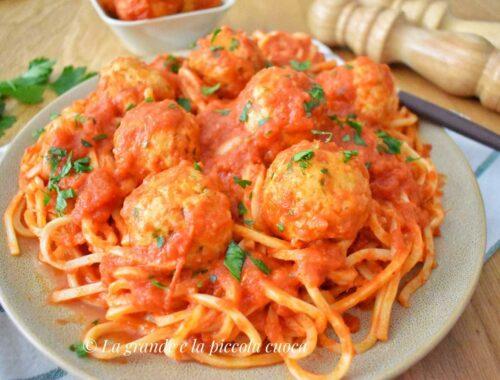 Spaghetti z pulpecikami z dorsza