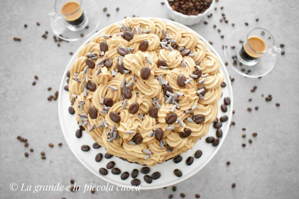 Tort kawowy z kremem budyniowym