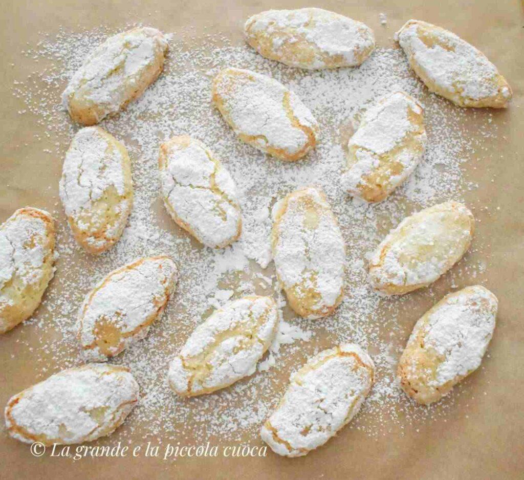 """Włoskie ciasteczka marcepanowe """"Ricciarelli"""""""
