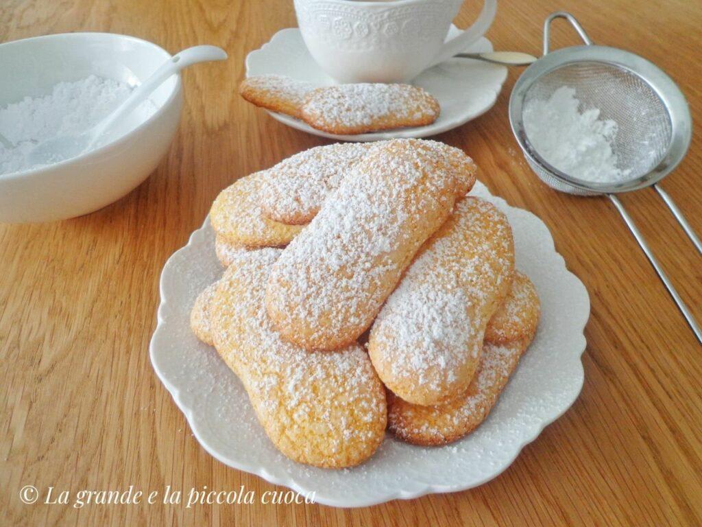Przepis na włoskie ciasteczka savoiardi