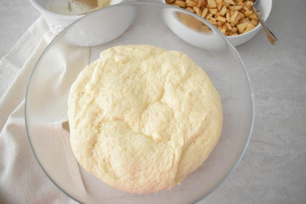Ciasto drożdżowe na ślimaczki