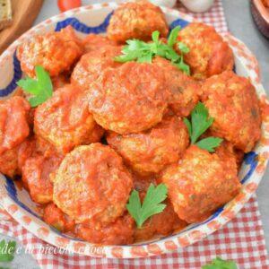 Mięsne pulpeciki z bakłażanem w sosie pomidorowym