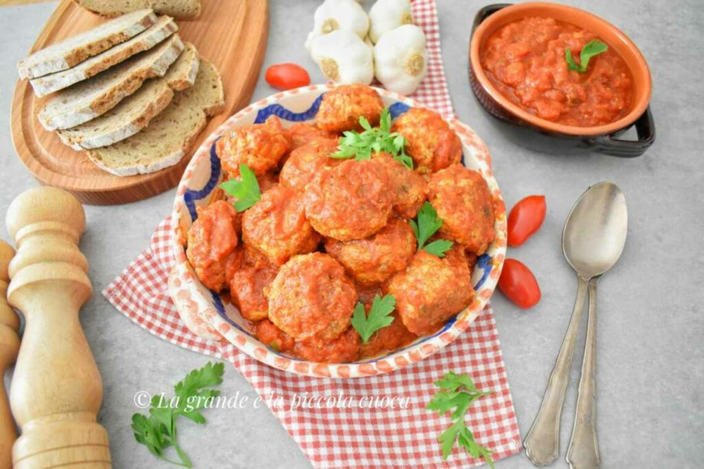 Przepis na pulpeciki w sosie pomidorowym