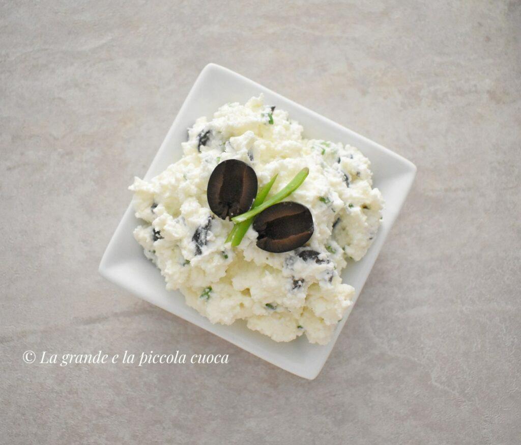 Farsz z serem feta i oliwkami