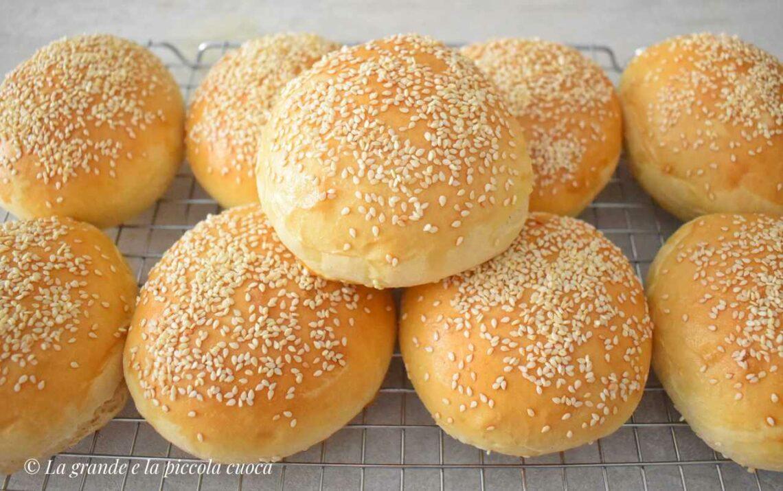 Domowe bułeczki hamburgerowe
