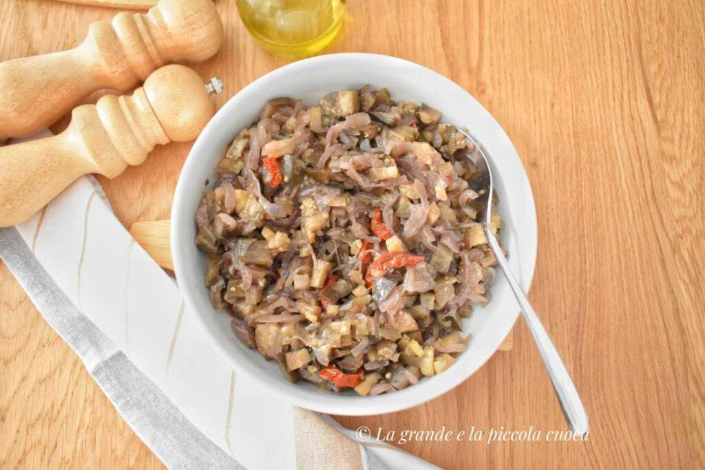 Farsz z bakłażanem i suszonymi pomidorami