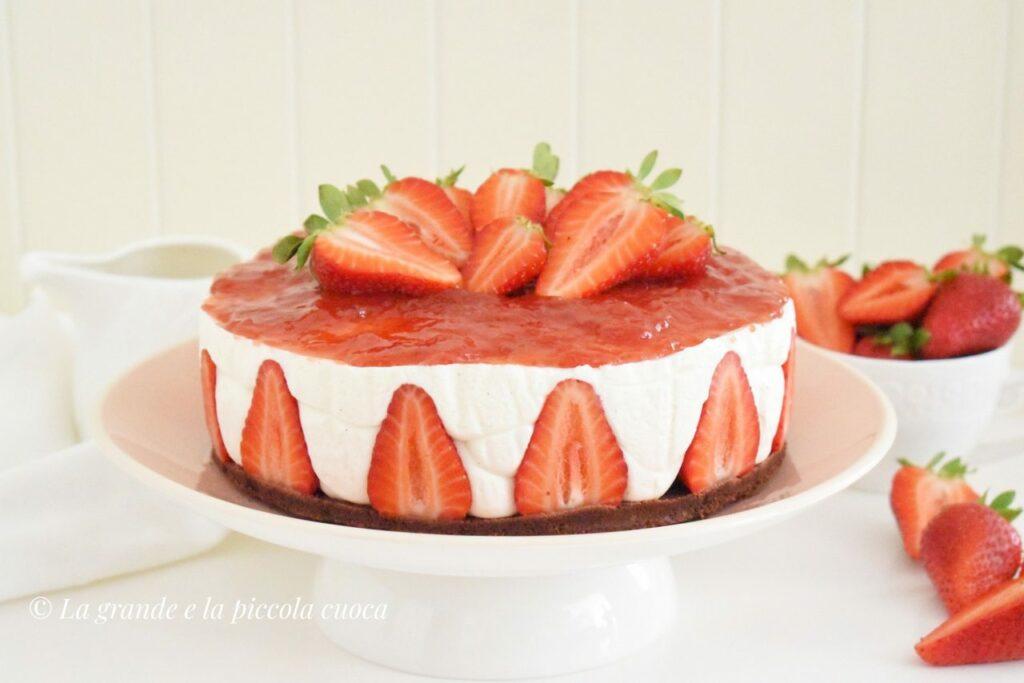 Przepis na cheesecake na zimno z truskawkami