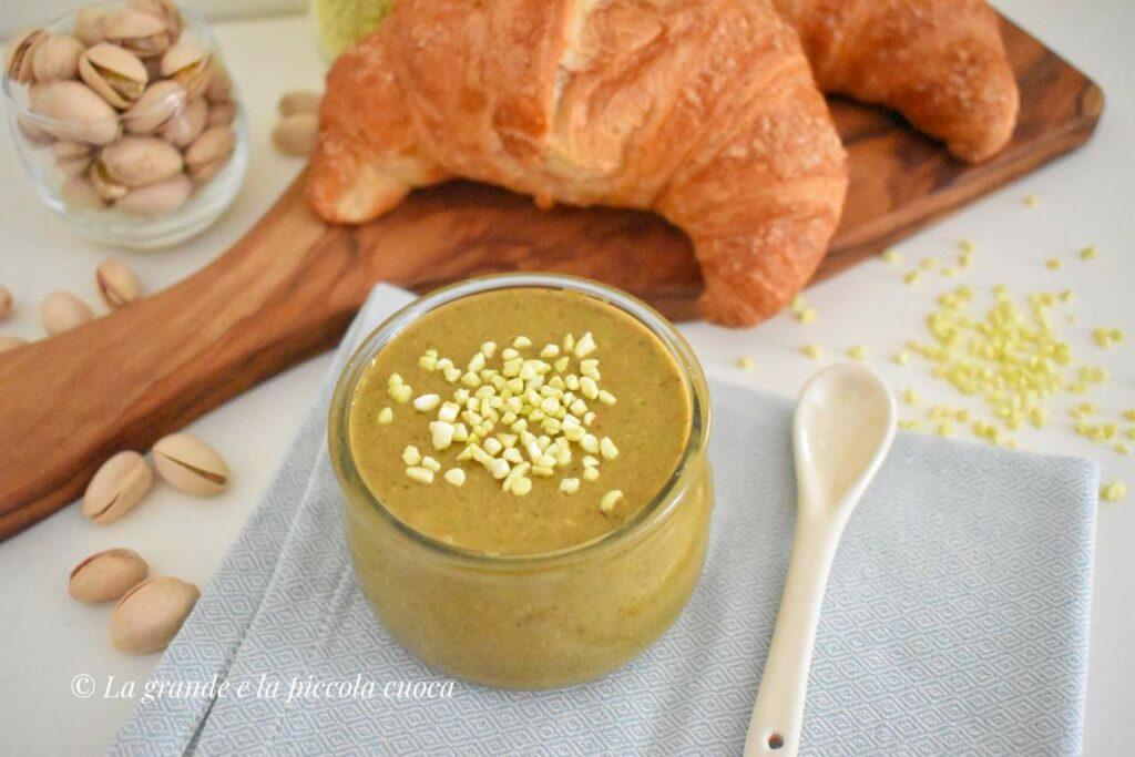 Domowe masło pistacjowe z białą czekoladą