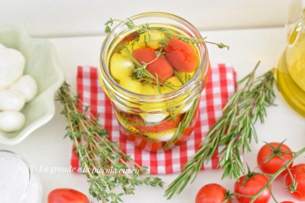 Marynowana mozzarella w oliwie