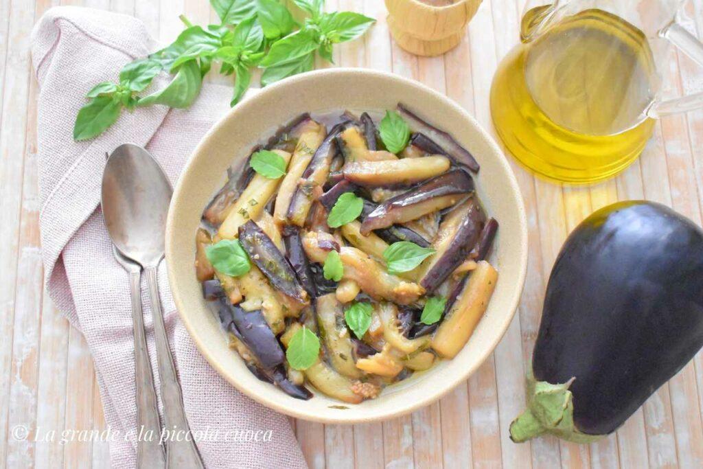 Duszony baklazan w sosie slodko-kwasnym