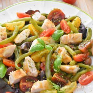 Sałatka z fasolką szparagową i kurczakiem