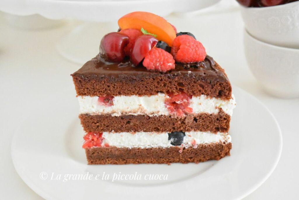 Przepis na tort devil's z owocami