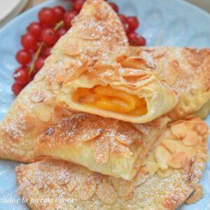 Przepis na francuskie ciasteczka z brzoskwiniami