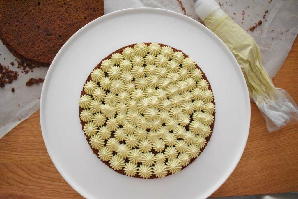 Przepis na tort z kremem pistacjowym